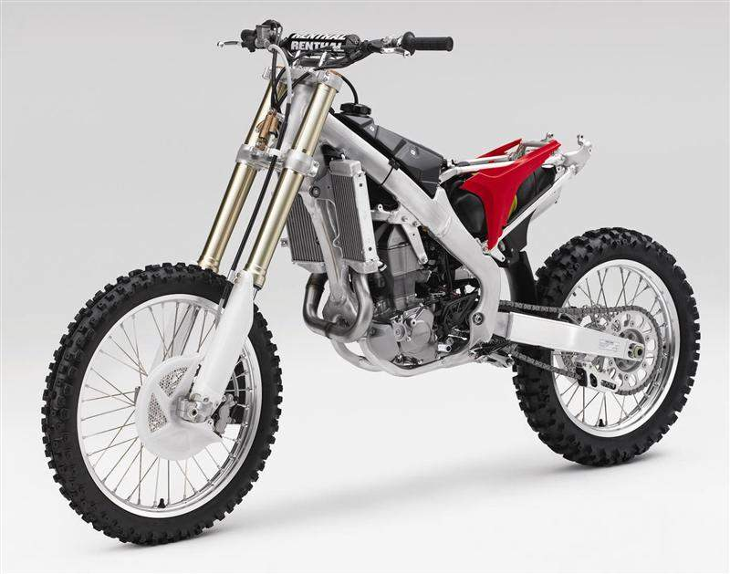 The frame is completely new – the fifth generation of Honda's twin-spar aluminum frame.