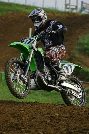 Andy Bowyer shakes down the new KX450F.