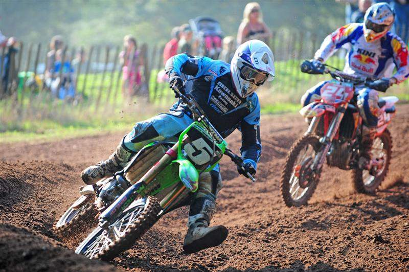 Swanepoel leads Simpson in moto one.