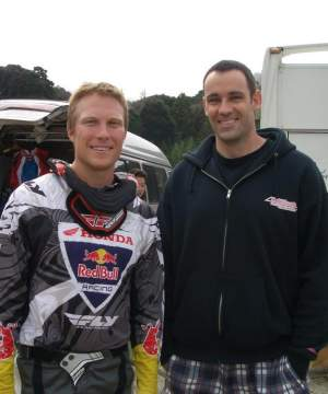 Andrew Short and American fan Keith Krohn in Japan