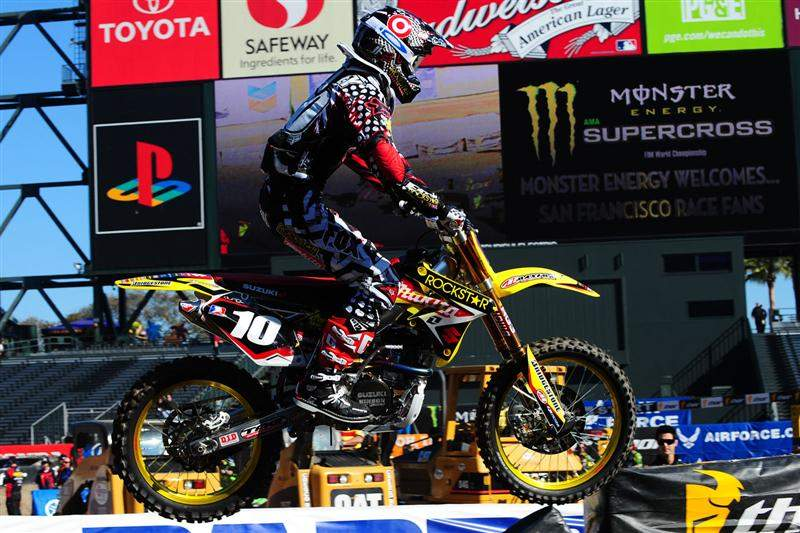 In the Lites class, Ryan Dungey was the only other rider besides Stewart to dip into the 49s. He put down a 49.819. His rival Jason Lawrence missed the race with reported food poisoning that he recieved an IV for (which is against the AMA rules), although the AMA refused to confirm or deny it.