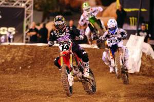 A rejuvinated Kevin Windham led Josh Grant and Villopoto early.