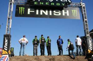 I'm telling you this SX stuff is big and scary. Look at the face of the finish line, I ain't jumpin that for all the nuggets in a chicken farm.