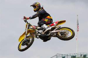 Reed showed me something. He showed me that his brutal MXDN ride is in the past and that red looks good on him.