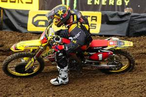 I really like the looks of the new Suzukis. They get the title of Best Looking Bike in the Pits.