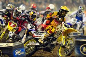Mike Alessi grabbed yet another holeshot in the main event.