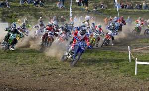 Zach Osborne grabs the holeshot