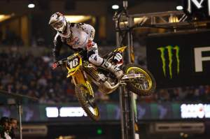 Dungey holds a narrow points lead with two rounds to go