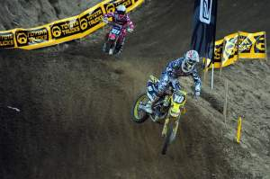 Ryan Dungey (10) came from behind to win the second moto, and the overall, with a 2-1 score.