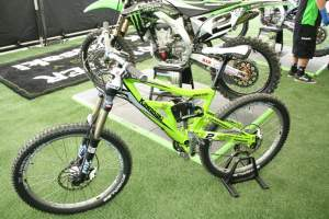 This is a cool thing that Cannondale/Kawasaki/RV is doing. On July 1st, there will be an Ebay auction for this bike and all the proceeds will go to help out Team USA at the MXDN. Whew, just justified Monster Tom giving me passes to the Monster Party at Hard Rock.