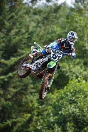 Ryan Beat got the call from Kawi to come on down and be the next contestant on Ride a Factory Kawi today! Maybe they can only hire fill-in guys who wear ONE Industries?