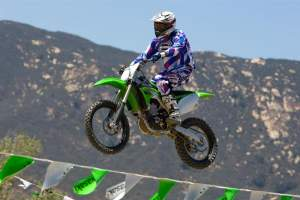 The KX450F jumps neutrally, too.