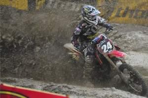 Metcalfe gave up his lead late in the abbreviated second moto.