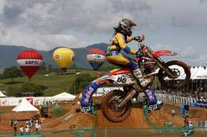 Mariana Balbi became the first woman to score a point in the MX1 class.
