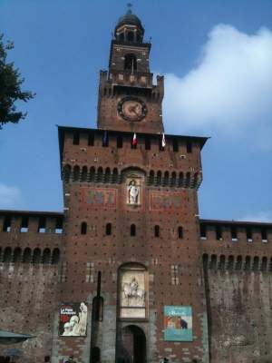 Then it was time to do some sightseeing: The Castille Milano