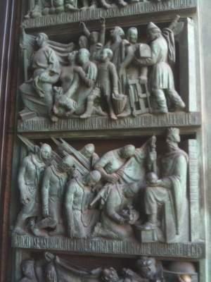 An Il Duomo door.