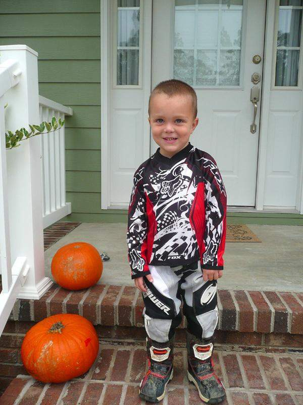 MX Kid (Vote at facebook.com/racerxonline)