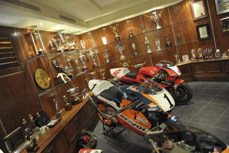 Racerhead 49 Racer X Online