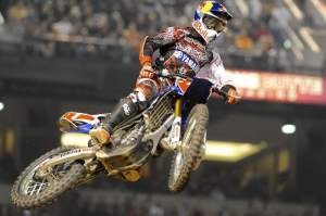 James Stewart had a very rought night, but still managed to score points.