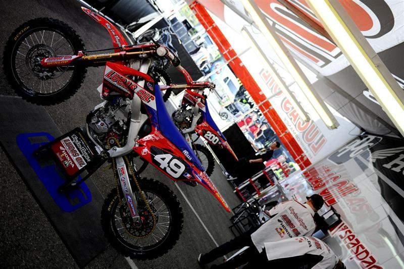 Wil Hahn's TLD/Lucas Oil Honda CRF250R.