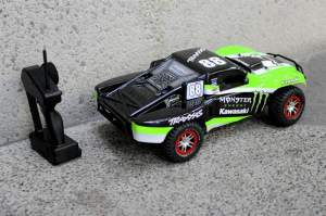 A Monster Kawasaki-branded Traxxas Slash.