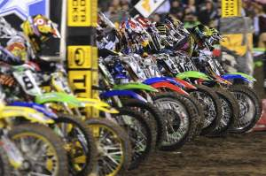The 450cc class gets under way in San Francisco.