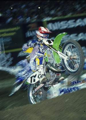 Ezra Lusk struggled big time at Anaheim 1 in 2003, but then came back to win Phoenix the next weekend!