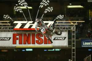 Kevin Windham followed a dissapointing Anaheim 1 with a round two win in 2004.