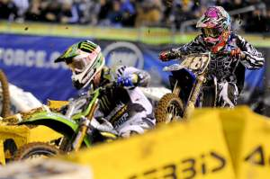 Anstie chased Jake Weimer (12) for the entire main event, but fell on the last lap and finished fourth.