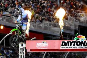 Ryan Villopoto recovered from his 19th-place last week to win his fourth main event of the year at Daytona.