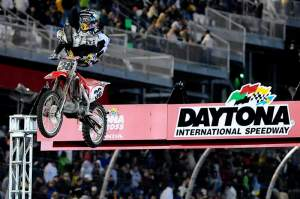 Trey Canard put his borrowed CRF450R back on the podium for the second week in a row with a third place at Daytona.