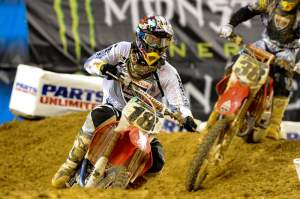 Davi Millsaps (18) pushed to hold off his temporary teammate Trey Canard (38) for second.