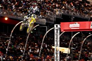 Ryan Dungey has 20 points on RV, but can he hold onto them until the end of the main in Vegas?