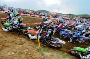 Wil Hahn (49) almost had the holeshot, but Christophe Pourcel (377) took it away at the start of the second moto.