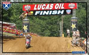 Andrew Short leading Ryan Dungey