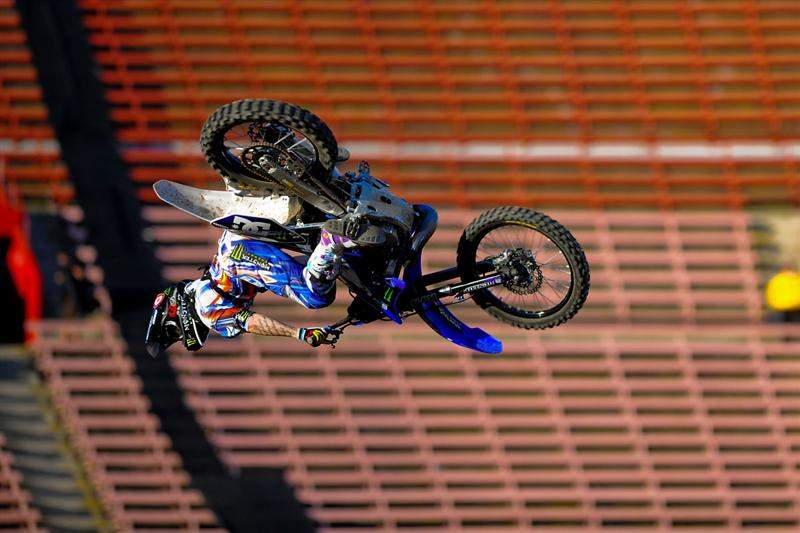 Adams was the only guy pulling 360s, but that wasn't enough.