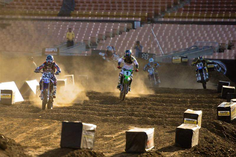 The track was very dusty. Here, Grant leads Hansen while Ivan Tedesco (9) fights it out with Justin Brayton (23) for third.