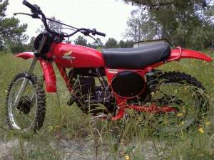 Click through this gallery to see more shots of Carl's '76 CR250.