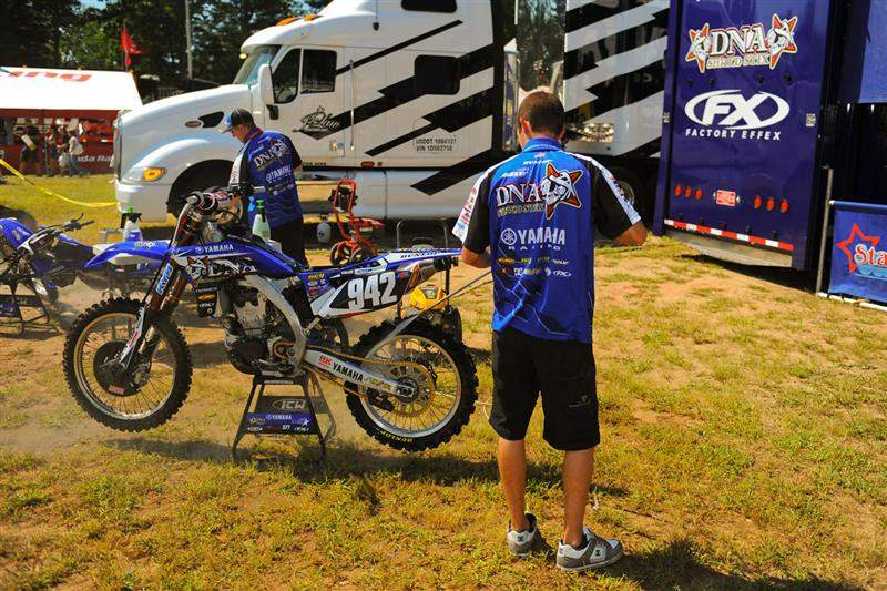 Gareth Swanepoel's bike being washed by mechanic Eric Gass.