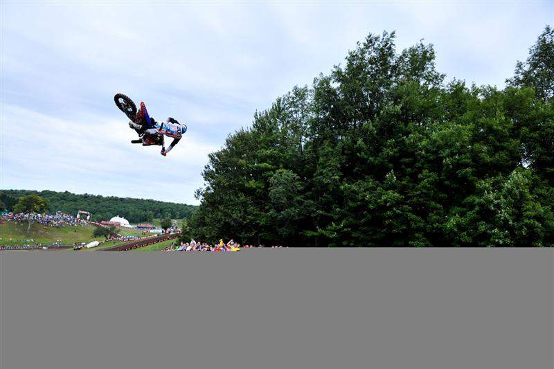 Cole Seely throws down.