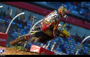 Ryan Dungey practices for the Daytona SX