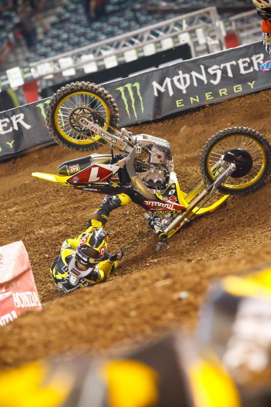 Ryan Dungey practice crash
