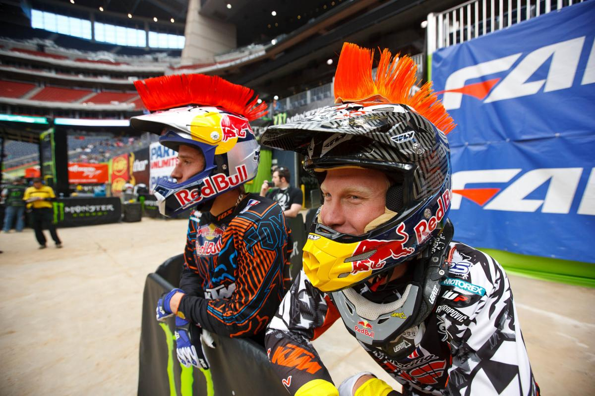 Roczen and Short running mohawks in first practice