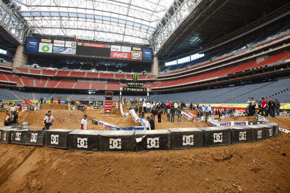 Houston SX Practice Gallery