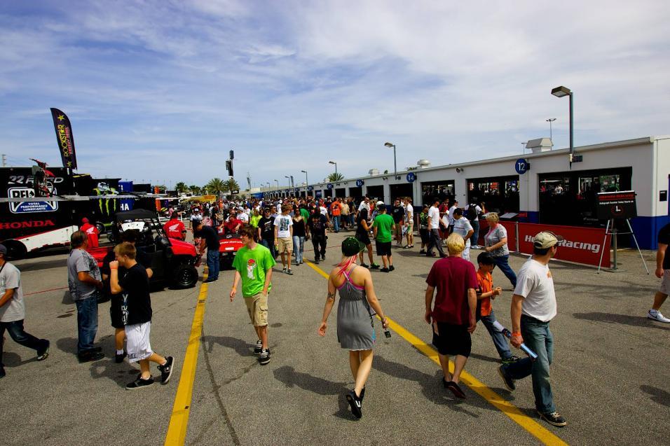 Daytona SX Pit Gallery
