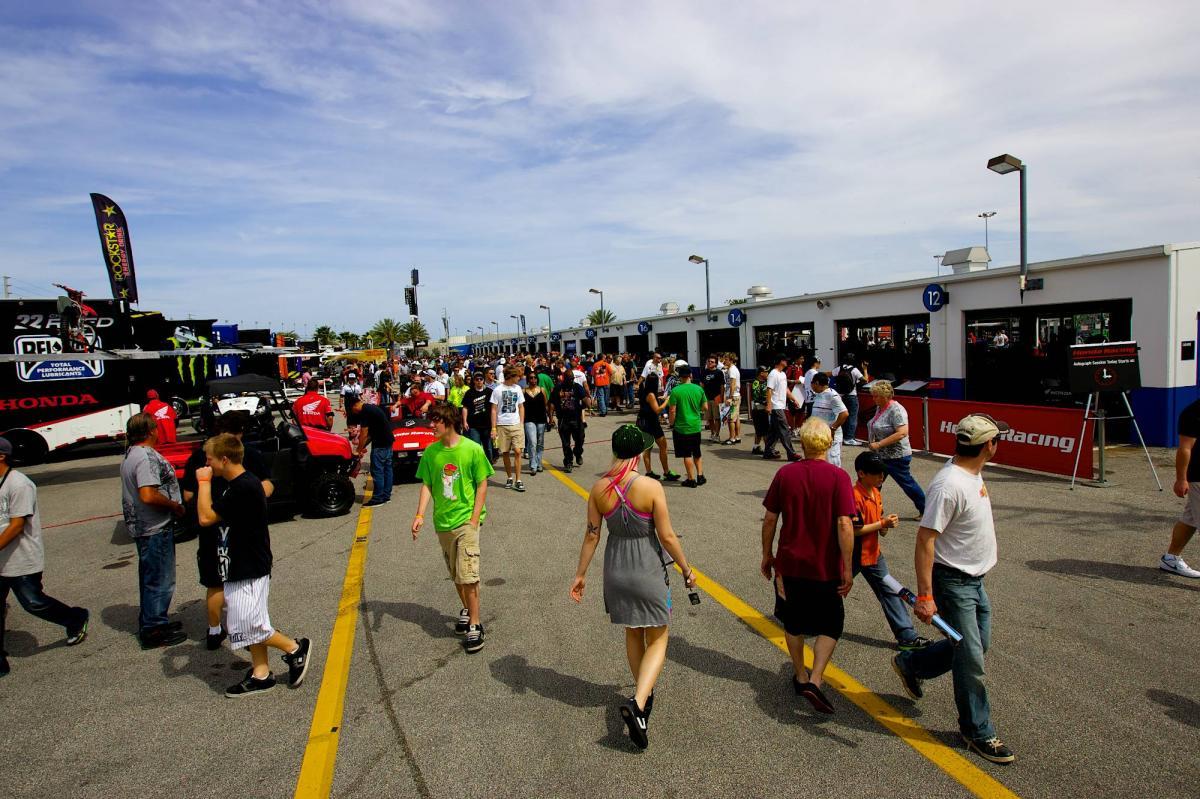 The Daytona Pits