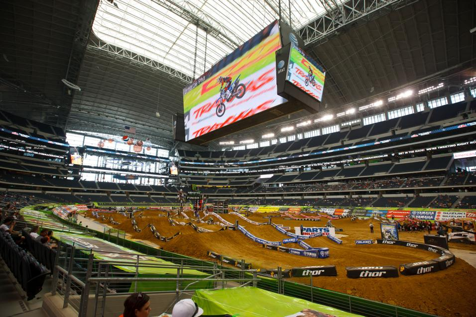 Dallas SX Practice Gallery