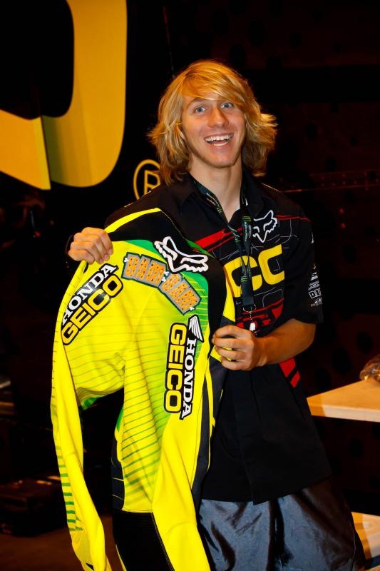 Justin Barcia with some new Fox gear for tonight