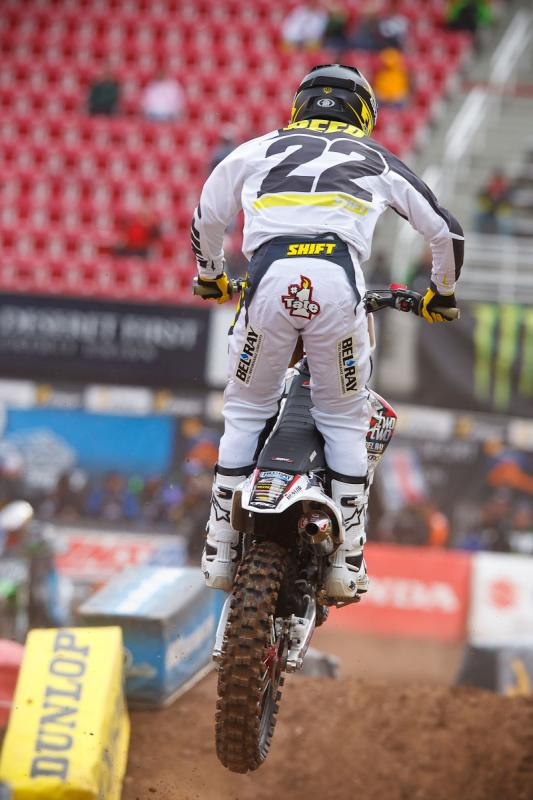 Chad Reed running a Tate #1 butt patch