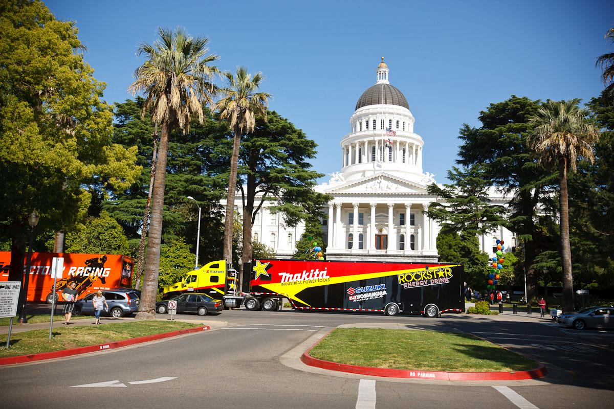 Rockstar Suzuki rig at the State Capitol